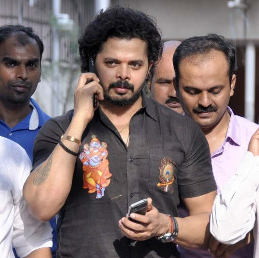 Delhi HC issues notification to S Sreesanth, others in IPL 6 spot settling case